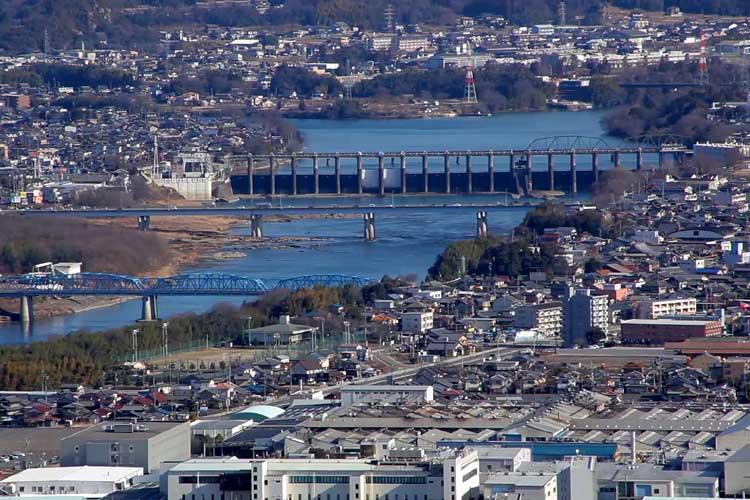 飛騨川と合流