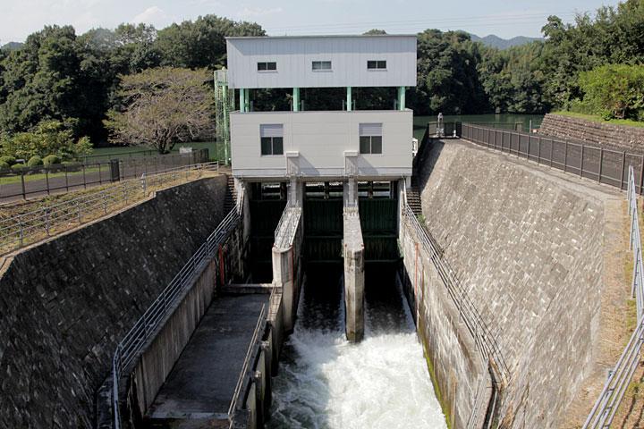 現在の兼山取水口