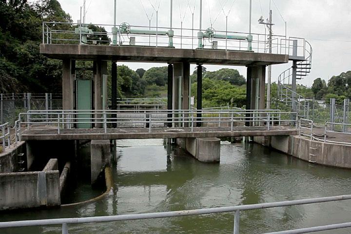 佐布里池 愛知用水からの取水口