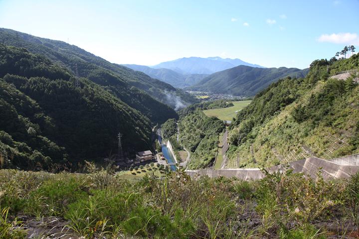 ダムから木祖村方面を見る
