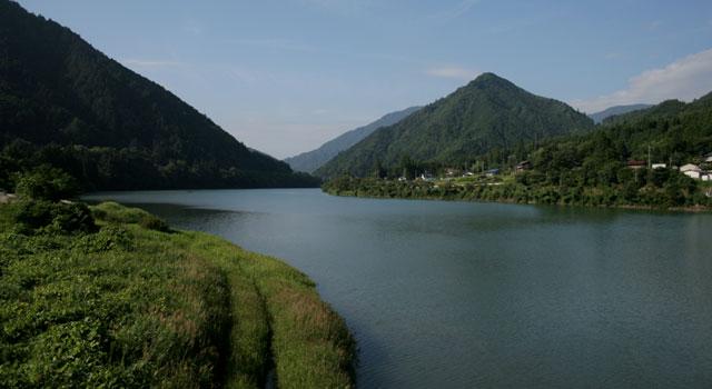 野尻付近の木曽川