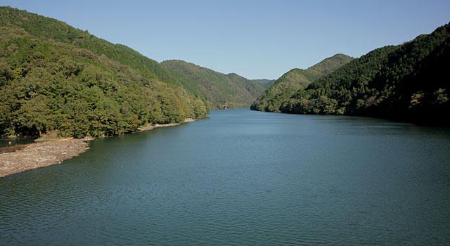 木曽川 丸山ダムから瑞浪方面を見る