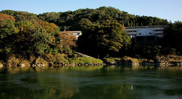 新村湊跡 木曽川の交易で栄えた中山道伏見宿近くの湊