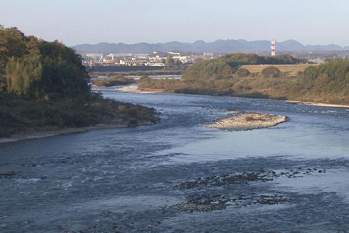 木曽川可児市土田付近