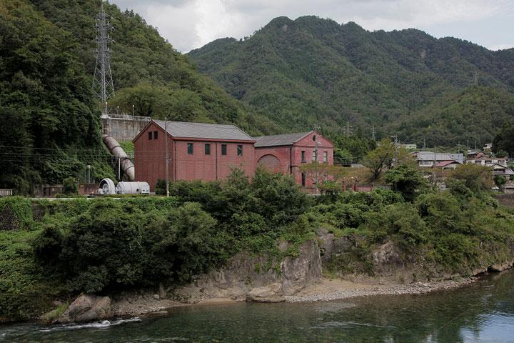 長長良川水力発電所