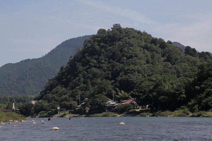 小倉公園山頂に小倉山城跡