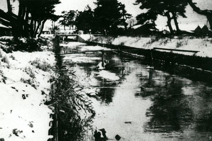 夫婦橋の黒川