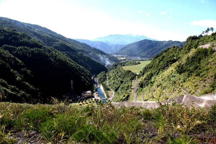 味噌川ダムから木祖村方面を見る