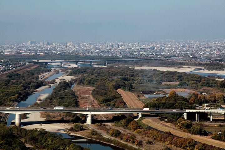 羽島市方面へ流れる(138タワーパークより)