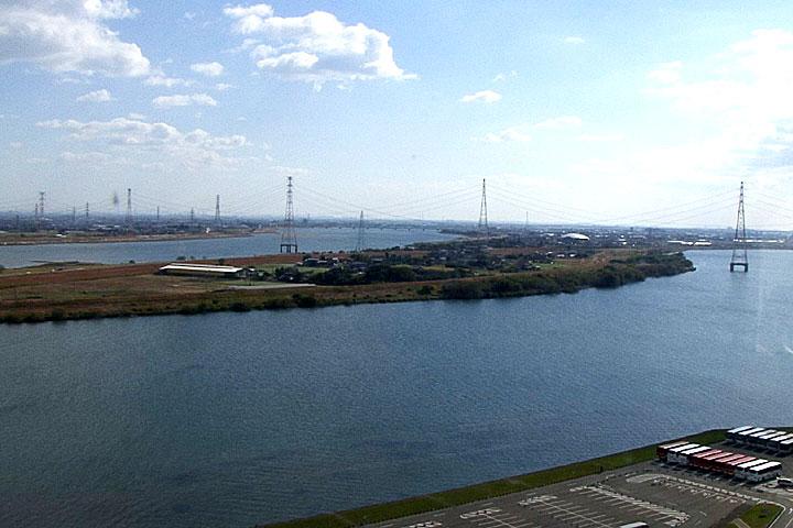 長良川越しに木曽川 河口へ