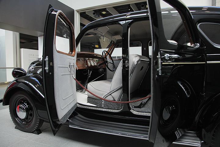 トヨダAA型乗用車(レプリカ)