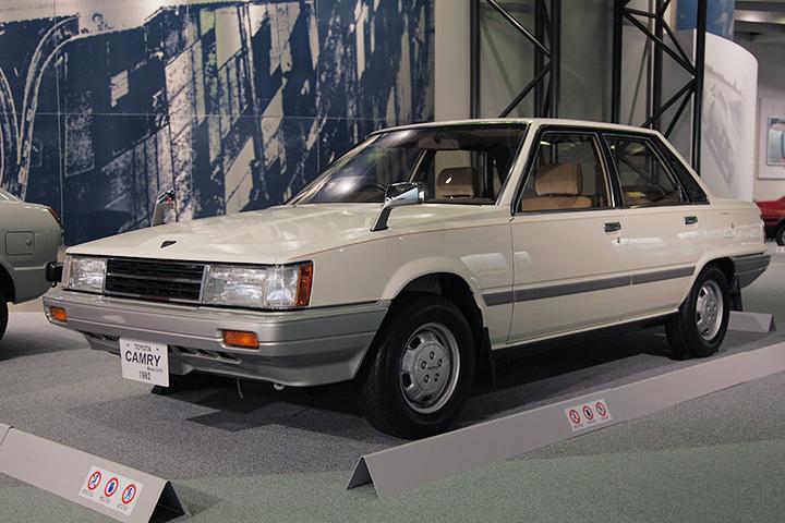 トヨタ カムリ SV10型 1982