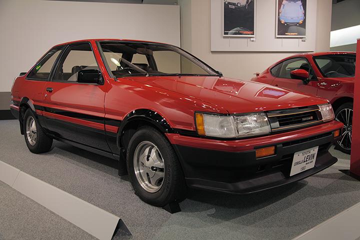トヨタ カローラ レビン AE86型 1983