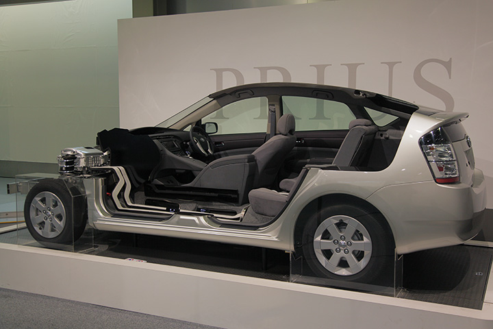 THS(Toyota Hybrid System)機能説明カットモデル(プリウス)