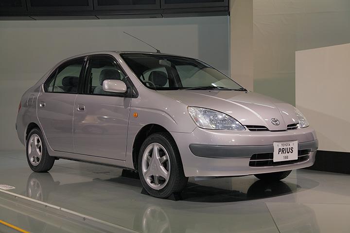 トヨタ 初代プリウス 1998