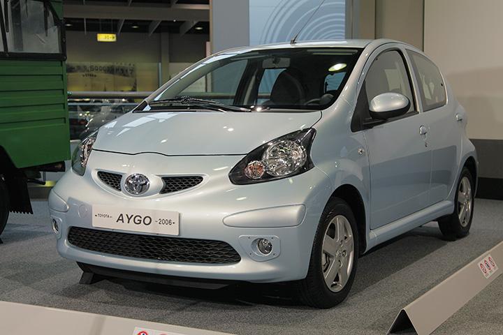 トヨタ アイゴ 2006