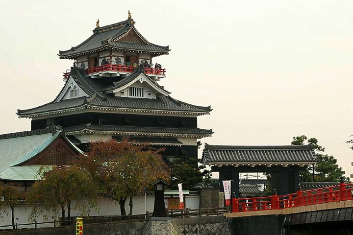 清洲城  平成元年(1989)に再建