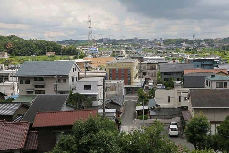 岩崎城からの展望、左手は本郷城跡