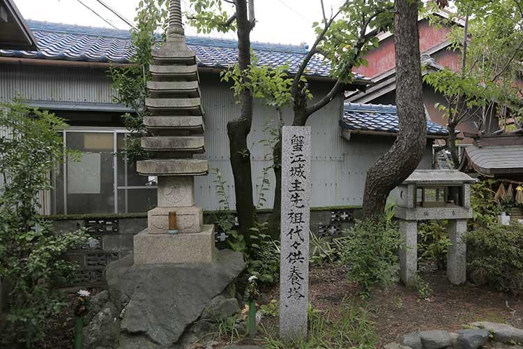 蟹江城主先祖代々供養塔(富吉神社)