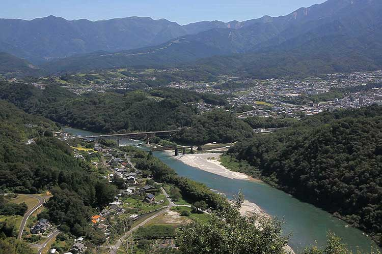 木曽川(中津川市付近)