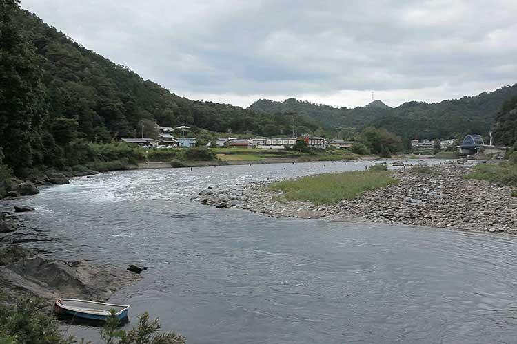 長良川(美濃市)