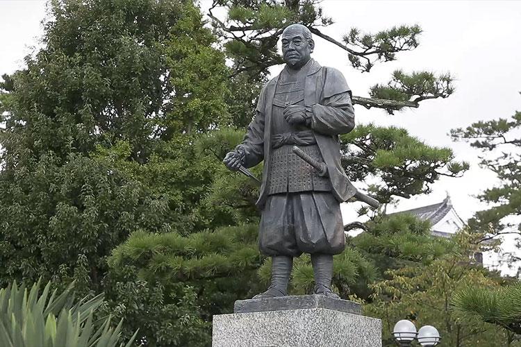 徳川家康公像/岡崎城
