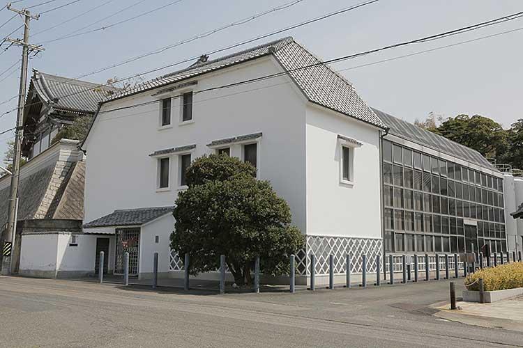 盛田鈴渓資料館後方は宝珠院