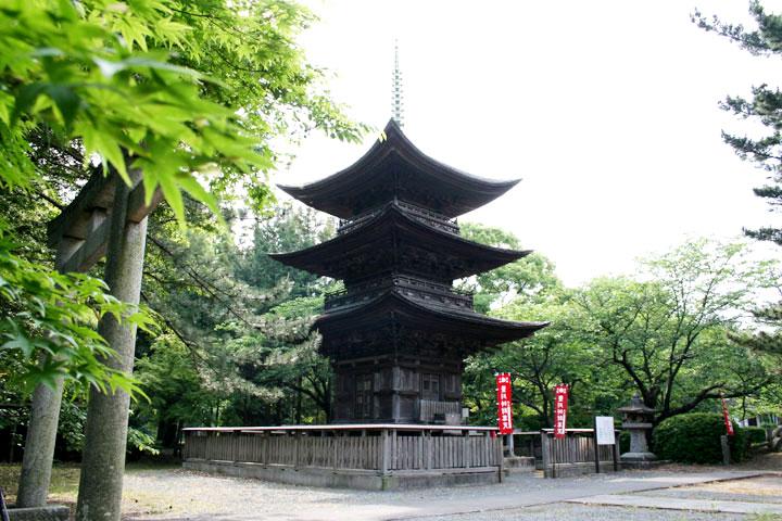 三明寺三重塔