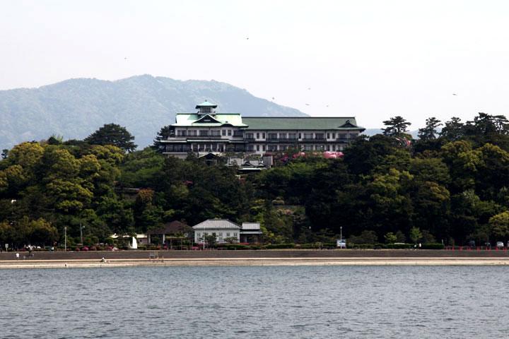 竹島より対岸を見る
