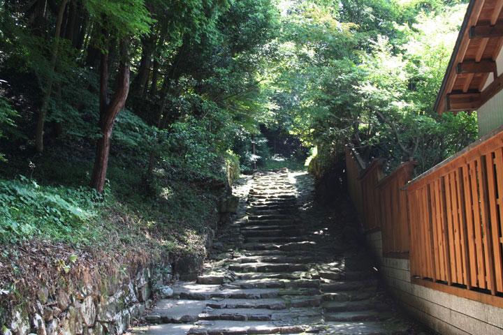 源敬候廟 入口階段