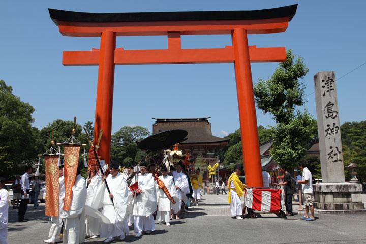 神輿渡御 津島神社からお旅所へ