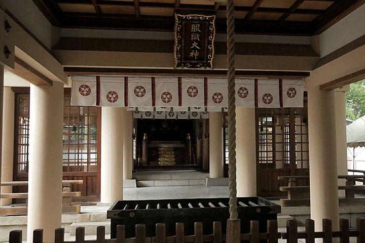 服織(はとり)神社
