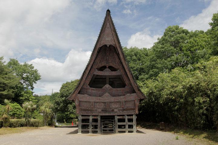 インドネシア トバ・バタックの家