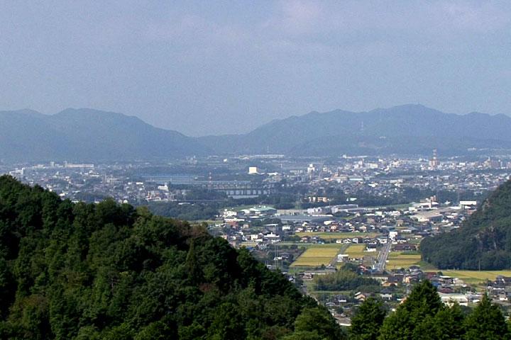 画面中央 今渡ダム 日本ライン下りのりば