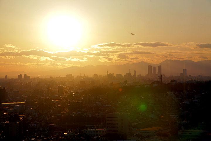 名古屋市街の日没