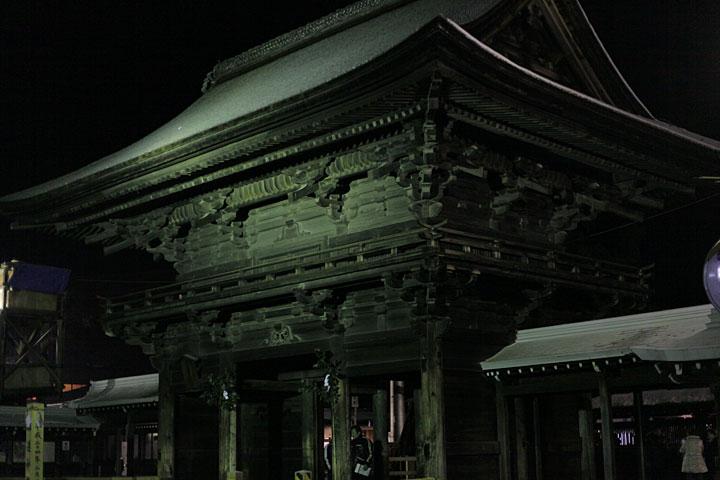 国府宮楼門 2月4日朝5時頃
