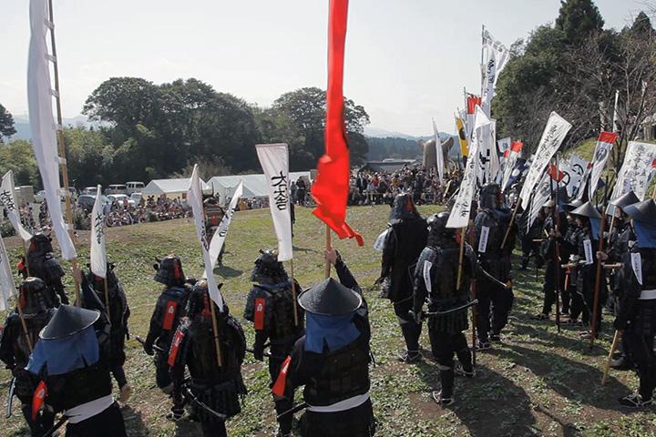 布陣パフォーマンスの先頭は西軍石田三成隊