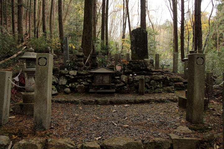 明智光秀公の墓