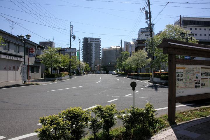 大垣城 東総門跡(名古屋口門跡)へ向かう美濃路