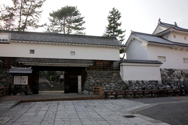 大垣城の表門