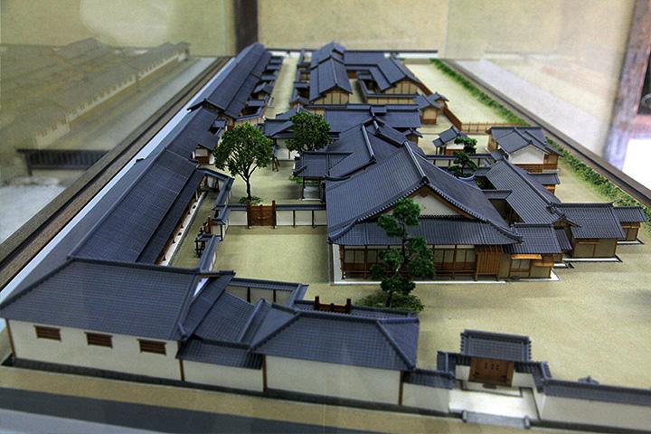 崇廣堂の模型