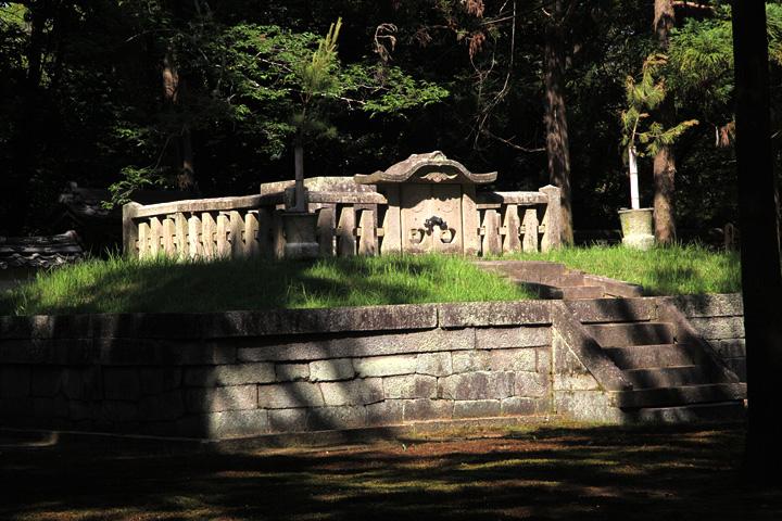 御廟(ごびょう)親鸞聖人のお墓