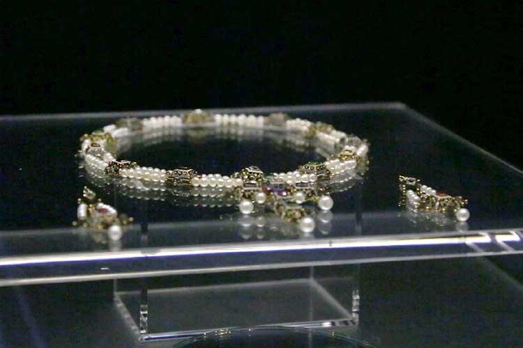 天然真珠の装飾品