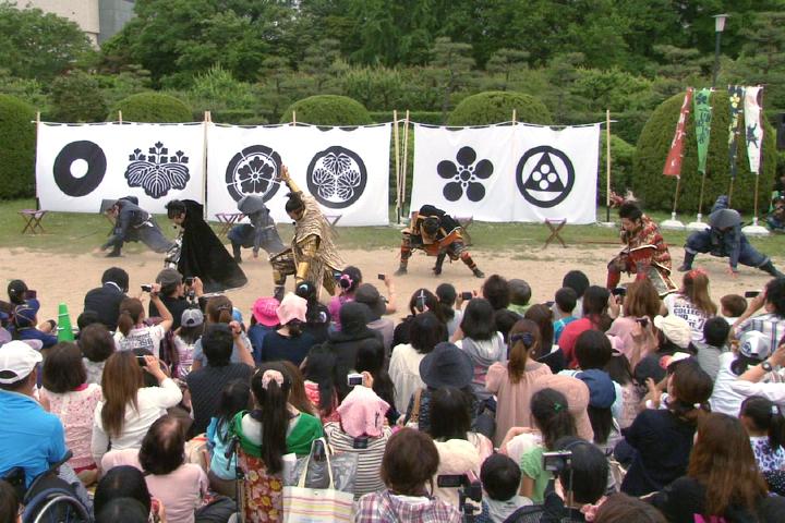 甲冑ダンスを踊る武将隊