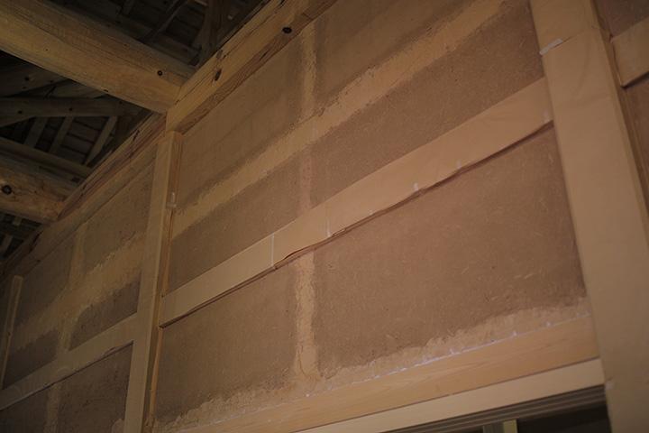 竹小舞に土を塗った壁