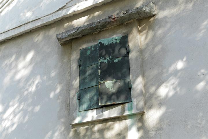 乃木倉庫の窓