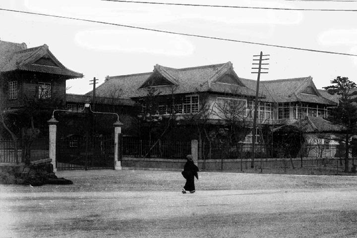 愛知県庁(明治33年広小路延伸のため移転開庁)