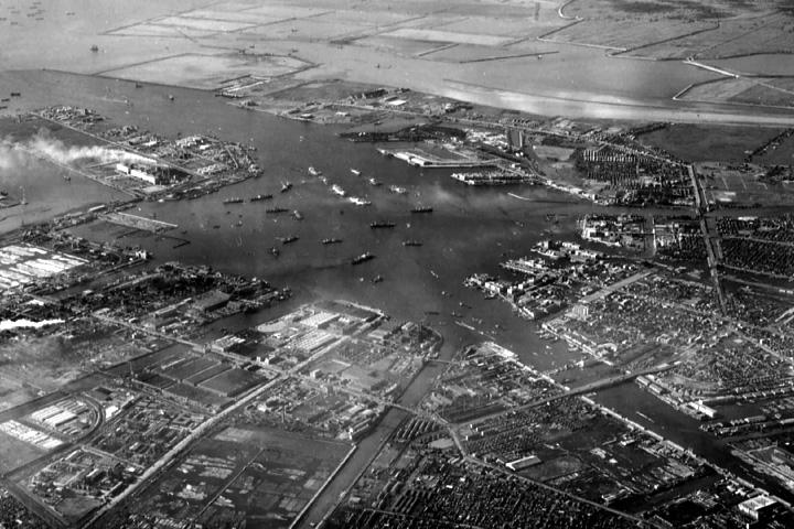 名古屋港沖合いの埋立(昭和30年代終わり)