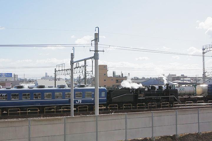 名古屋貨物ターミナル駅へと向かうC56
