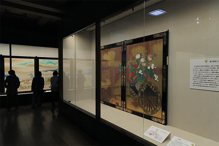 「花車図」上洛殿の入側(廊下)にはめられていた杉戸絵の復元模写
